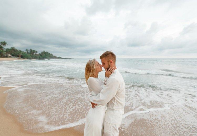 25 Romantic Australia Honeymoon Spots That'll Take Your Breath Away