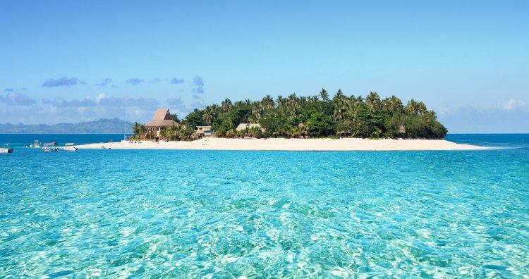 Where Should I Go Next? Hawaii vs. Fiji