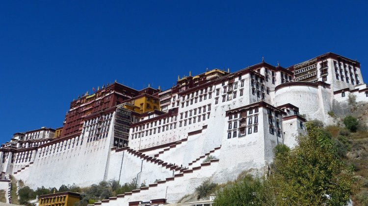 Visiting Potala Palace in Tibet | Everything you need to know